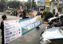 Aksi Simpatik Jarak Aman dan Puluhan Bikers Bagikan 500 Takjil di Kalimalang