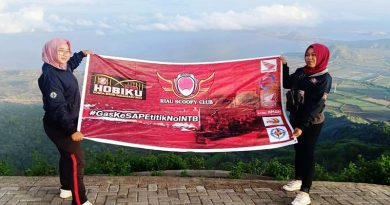Touring Duo Lady Bikers HOBIKU Membelah Pulau Sumatera dan Jawa Hingga 0 KM Sape